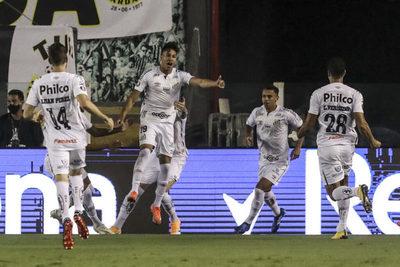 Santos se paseó ante Gremio y está en semifinales