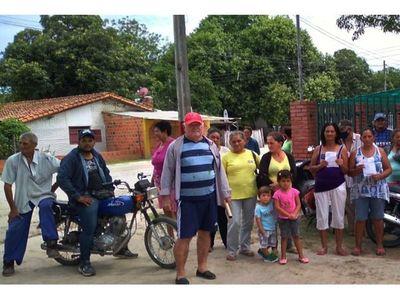 Protestan por alta facturación del agua en Puerto Casado