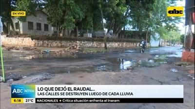 Raudal deja calles destrozadas en Asunción y Lambaré