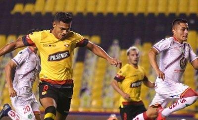 Con gol paraguayo, Barcelona aplasta y está muy cerca de la final en Ecuador