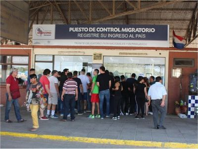 Argentina aún no ve factible abrir la frontera, afirma canciller