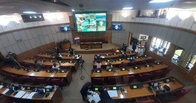 La Nación / Última sesión del Senado: Salomón dice que se cumplió la misión, a pesar del difícil año