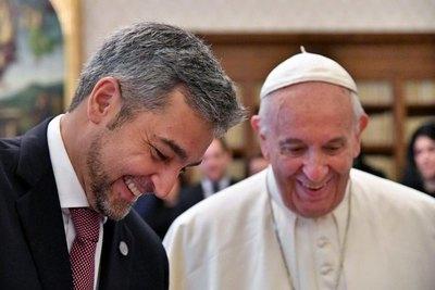 Crónica / El presi Marito felicitó al Papa Francisco por su cumple