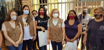 Despacho de Primera Dama trajo regalos a presos de Misiones
