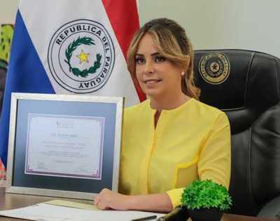 Primera Dama recibe distinción por liderazgo inspiracional global