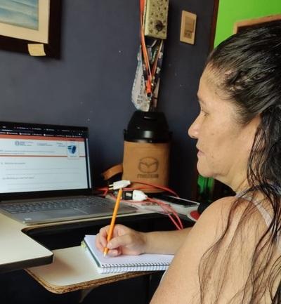 Doña Maura, una muestra de superación para volver a estudiar