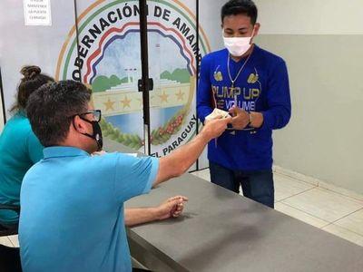 Estudiantes universitarios indígenas recibieron último aporte del año de la Gobernación