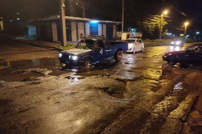 Intransitable y destrozada avenida Avelino Martínez necesita reparación