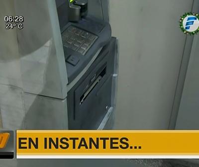 Intentan abrir cajero automático en Asunción