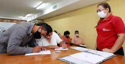 Mediante programa Tekoha 26 familias acceden a la seguridad jurídica por sus tierras
