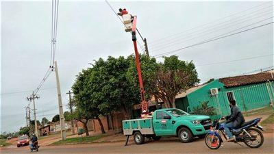 ANDE vuelve a adjudicar compra a postes a empresa que sobrefacturó