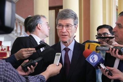 Jeffrey Sachs destacó las oportunidades que ofrece Paraguay al poseer energía limpia