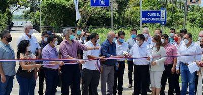 Abdo y Cartes inauguran obras en Canindeyú