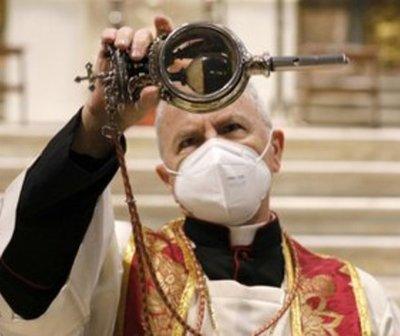 Nápoles: la sangre de San Genaro no se licuó y la población teme una desgracia