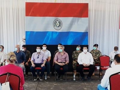 Cartes acompaña a Abdo Benítez en acto oficial