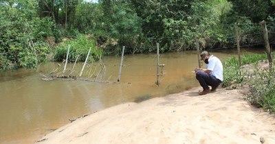 La Nación / Denuncian extracción ilegal de agua en arroyo y laguna de Valenzuela