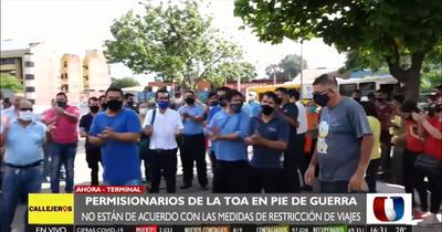 Protestas frente a la Terminal de Ómnibus Asunción