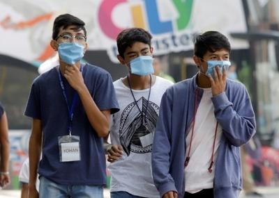 Autoridades de china sugieren continuar usando el tapabocas incluso después de recibir la vacuna contra el COVID-19