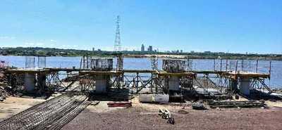Construcción del puente Héroes del Chaco avanza en la margen derecha del río Paraguay