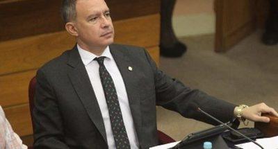 Efraín debe respetar a la Convención o tendrá las puertas del partido abiertas, pero para retirarse, dice Silva Facetti