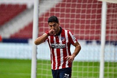 Con doblete de Suárez, Atlético de Madrid afianza su liderazgo en LaLiga