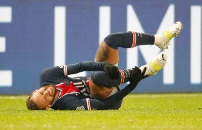 Neymar solo debería volver a los campos en enero por una lesión en el tobillo
