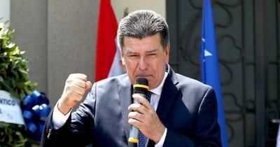 """La Nación / Alegre """"ha fundido al partido"""", sostiene Silva Facetti"""
