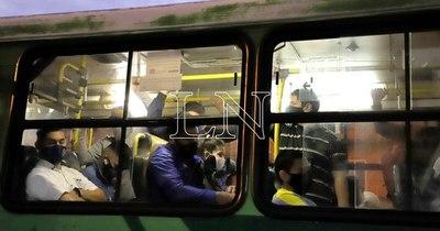 La Nación / Cuestionan disminución de frecuencia del transporte público