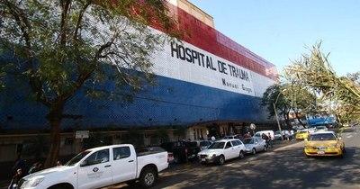 La Nación / Las camas de terapia están al límite, pero traumas no paran