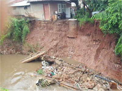 Ciudadana pide ayuda para evitar que su vivienda se derrumbe