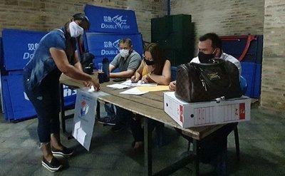Fractura liberal: Convención paralela aprobó el desdoblamiento de las elecciones internas