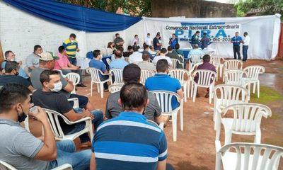 """Liberales en """"punto muerto"""" tras convención autoconvocada por oposición a Efraín Alegre"""
