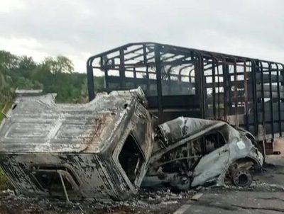 Cuatro personas mueren calcinadas tras accidente en la Transchaco · Radio Monumental 1080 AM