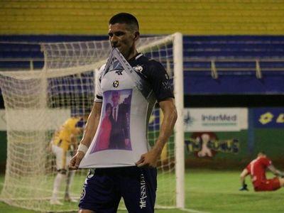 "Goleador solense:  ""Mamá me iluminó desde arriba"""