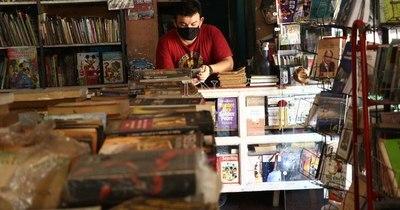 La Nación / Libreros mexicanos batallan para no dejar la página en blanco por la pandemia