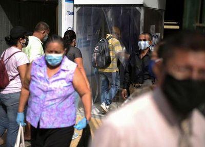 Presidente de Ecuador anuncia estado de excepción por nueva cepa de coronavirus