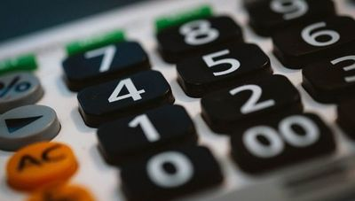Economistas coinciden en que medidas de contención deben extenderse hasta los primeros meses del 2021