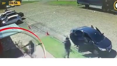Continúan los trabajos en Juan L. Mallorquín tras intento de asalto y homicidio