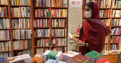 La Nación / Leer a Simone de Beauvoir en Teherán es posible