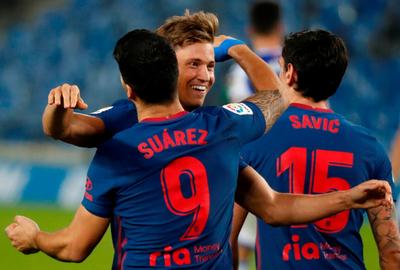 Atlético Madrid despacha a la Real Sociedad y sigue en lo más alto