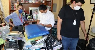 La Nación / Allanan vivienda donde se realizaba desvío de llamadas internacionales