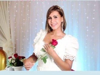Crónica / BODA SECRETA. Jessica se casó y el marido no aparece en ninguna foto