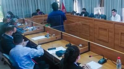 Quiénes son los concejales que amonestaron a Quiñonez por trasgredir las medidas sanitarias