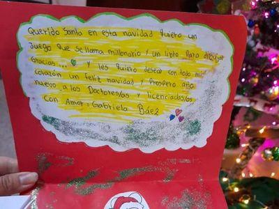 Niños internados en Nefrología Pediátrica de Clínicas pidieron sus deseos de Navidad