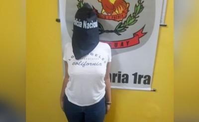 Brasileña aprehendida con camioneta robada en su país