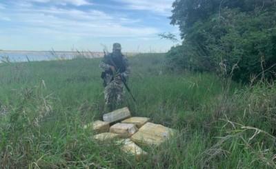 Casi 200 kg de droga incautada en orillas del Lago Itaipu