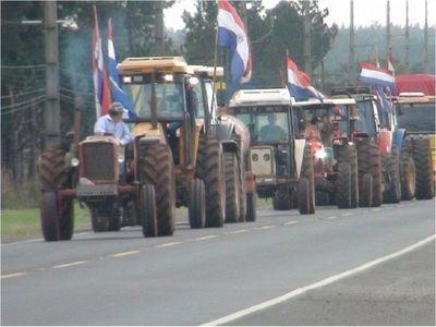 A casi un mes de iniciar manifestación, productores siguen esperando respuesta del Gobierno