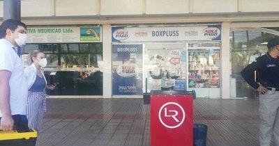 La Nación / Daño de US$ 4.200.000 a Copaco: allanan tienda de un shopping en Mariano
