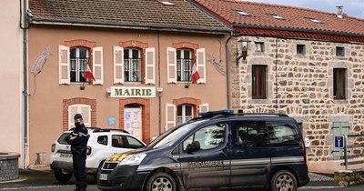 La Nación / Hombre mata a tres gendarmes que socorrían a mujer víctima de violencia conyugal en Francia