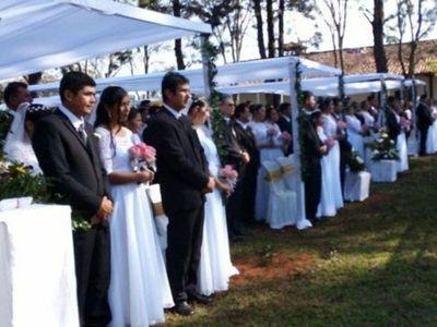 Primera boda comunitaria durante pandemia ilusiona